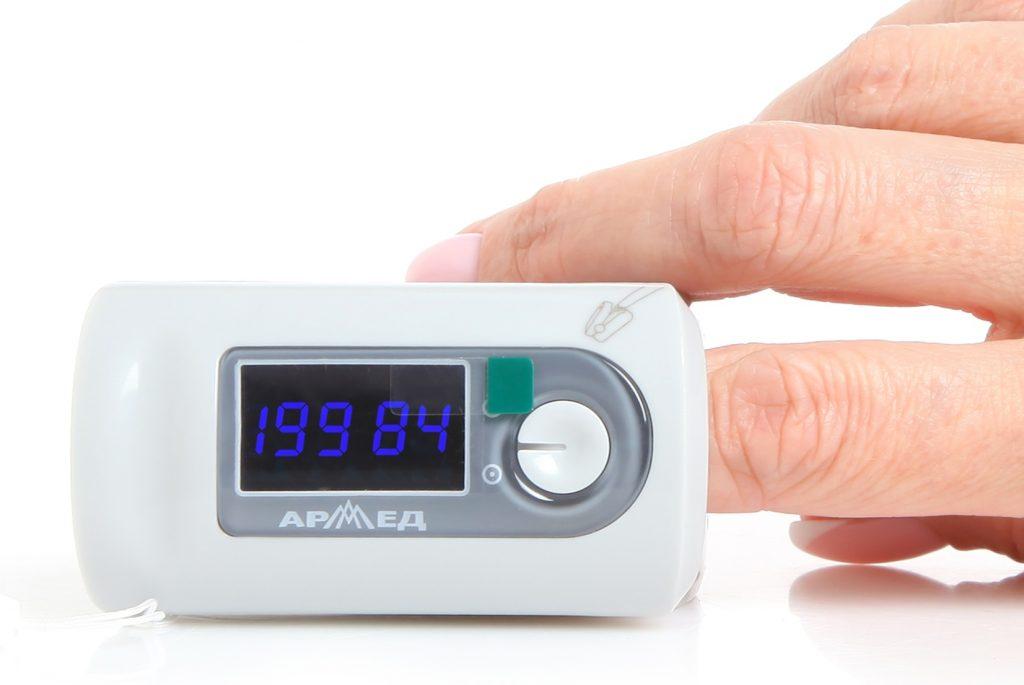 Рекомендуется купить пульсоксиметр, если есть предрасположенность к болезням сердца